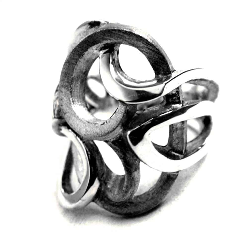 Bague création style contemporain pour femme entrelacs textures