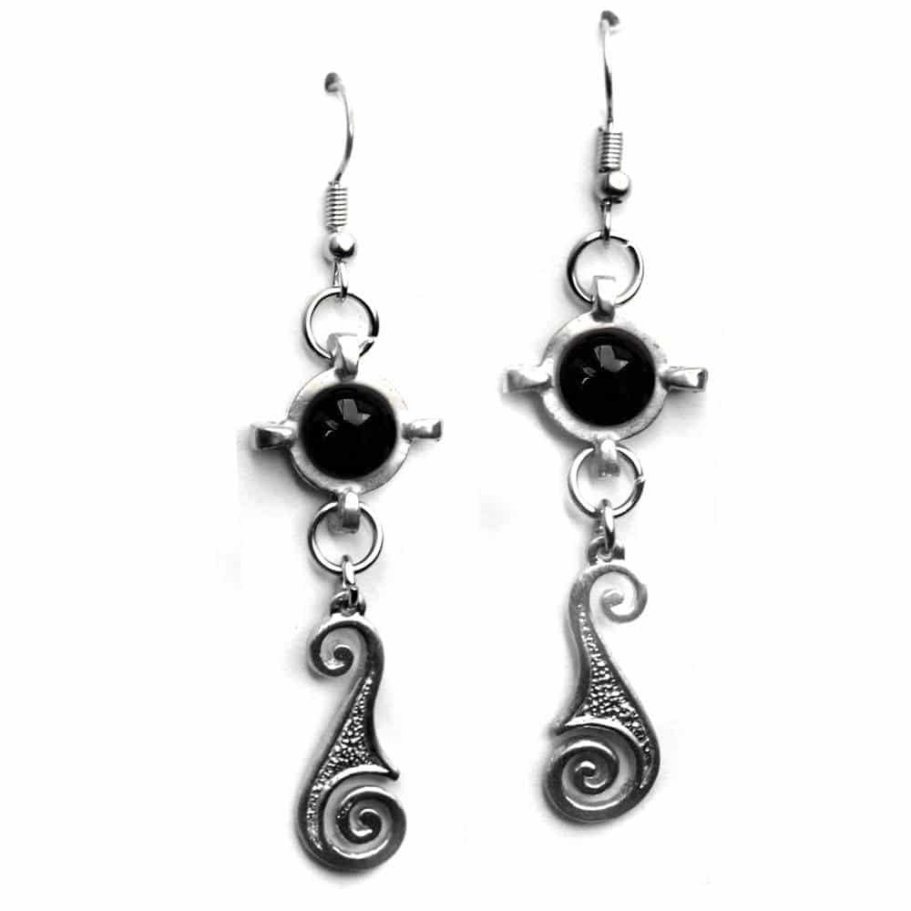 Boucles d'oreills fantaisie style médiéval étain agate noire