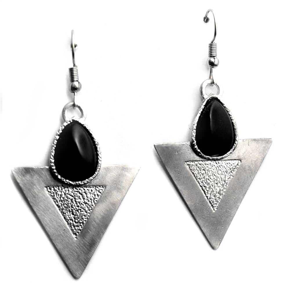 Boucles d'oreilles triangles texture pierre naturelle agate noire
