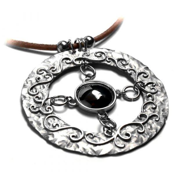 Collier aspect brut motifs racines étain pierre naturelle ronde cabochon 20mm
