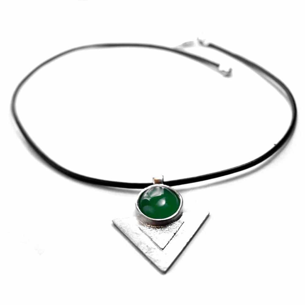 Pendentif triangle texture étain pierre naturelle ovale agate verte