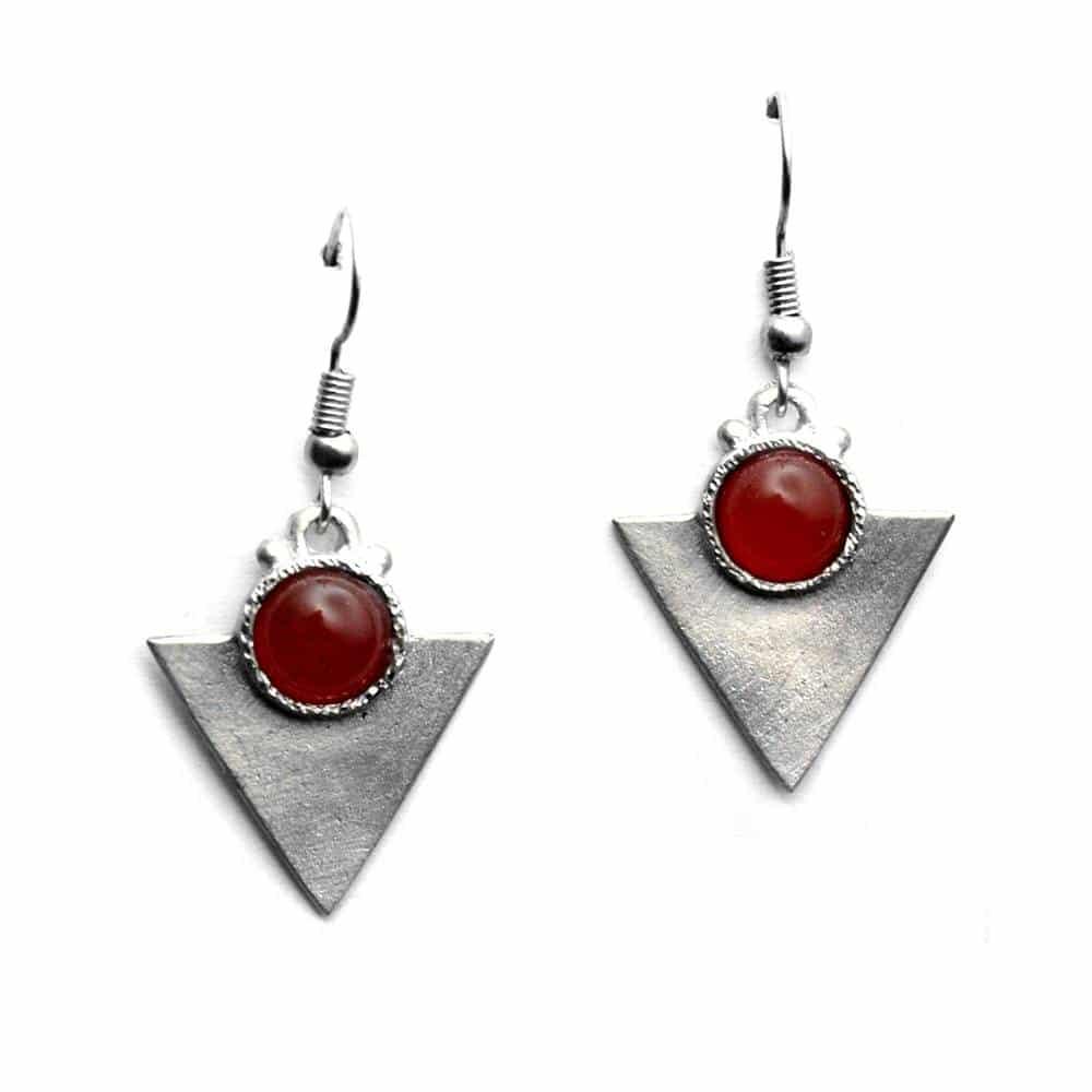 Petites boucles d'oreilles triangulaires pierre naturelle cornaline