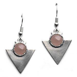 Petites boucles d'oreilles triangulaires pierre naturelle quartz rose