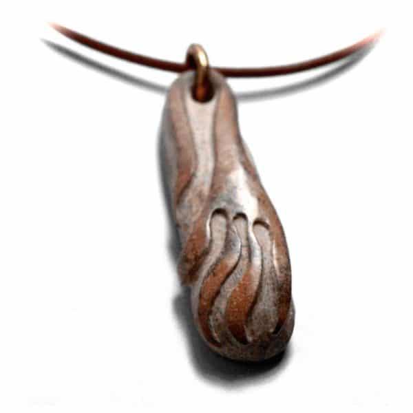 Pièce unique galet sculpté